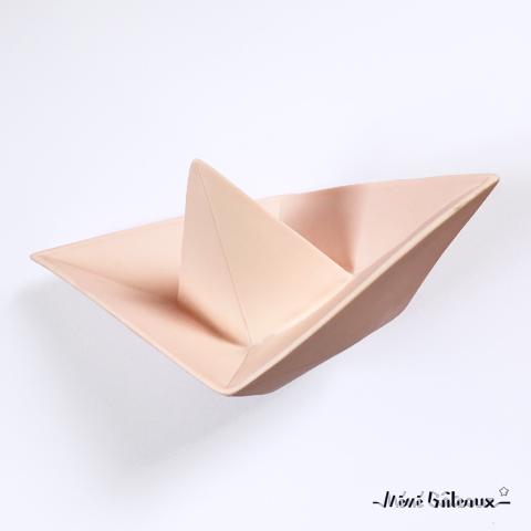 lampe bateau origami rose pale m m g teaux. Black Bedroom Furniture Sets. Home Design Ideas
